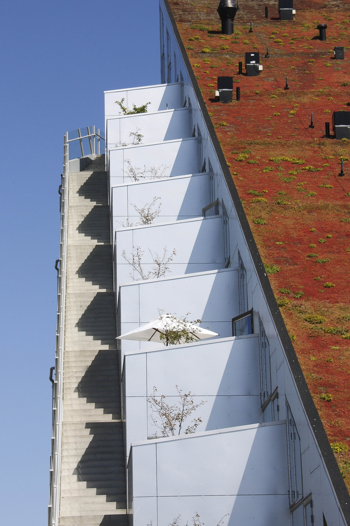 'Vertical living' by Piotr Chlapowski